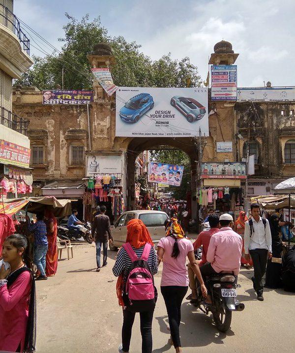Rajasthan Motorcycle Touring Vacaciones-old city sikar